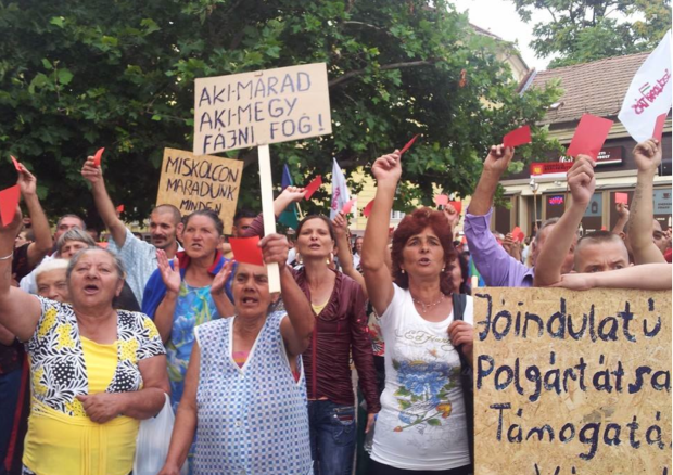 Roma Women protesting against the evictions in Miskolc